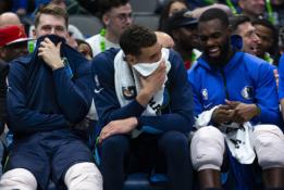 """""""Mavericks"""" atsarginių žaidėjų suolelio pokštai triuškinant """"Pelicans"""""""