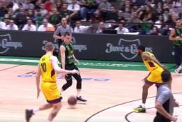 Griūk iš juoko: ACB lygos žaidėjų metimai į savo krepšį