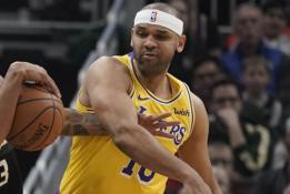 """""""Lakers"""" pramogos ant atsarginių suolelio: sugalvojo, kaip trukdyti varžovui"""