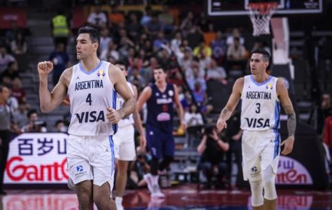 Sensacija Pasaulio taurėje: L. Scolos vedama Argentina išmetė serbus ir žengė į pusfinalį