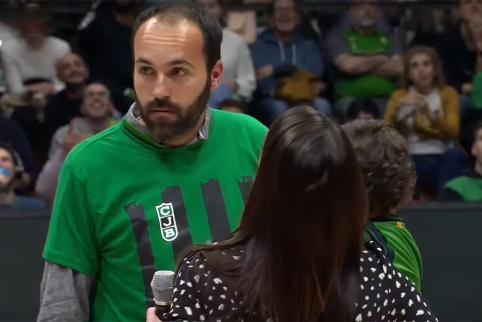 """""""Joventut"""" fanas neteko žado: rungtynių metu jam pasipiršo draugė"""